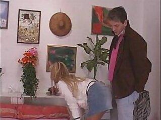 Godo solo con papa - 2007 - Italian porn   anal bald pussy cum cumshots