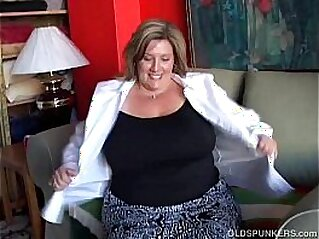 Big beautiful old spunker fucks her soaking wet pussy   aged beautiful boobs breasts