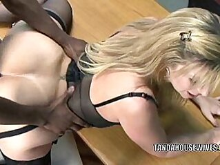 Mature slut Sara Jay is in her office and getting fucked   blonde blowjob cougar cum